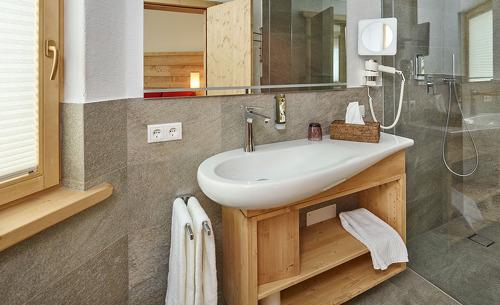 Die Löwen Chalets bieten voll ausgestattete Badezimmer für den optimalen Komfort