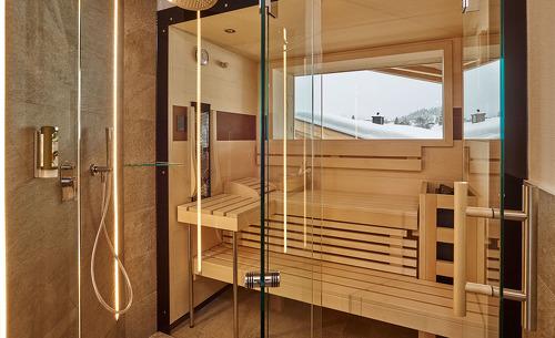Eine Sauna in den Luxus Chalets rundet das Angebot der Löwen Chalets ab