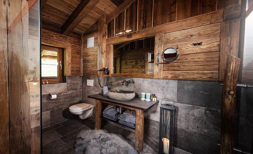 Gletscher Chalet Tirol- Badezimmer ausgestattet mit einer Luxusdusche