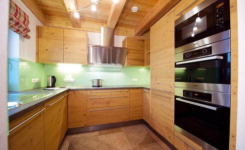Luxuriöse Wohnküche in Ihrem Chalet in Saalbach-Hinterglemm in der Wallegg-Lodge