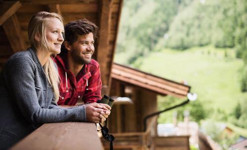 Romantischer Sommerurlaub in den Tiroler Bergen- Gletscher Chalet Stubaital