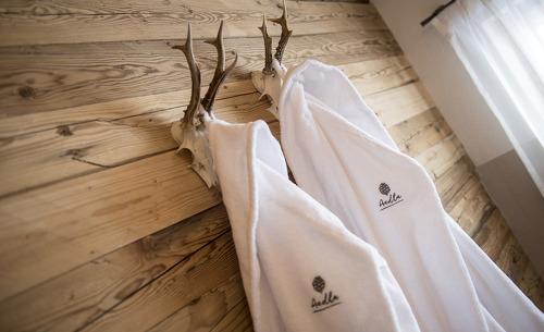 Stilvolle Details soweit das Auge reicht - Luxusurlaub in den Aadla Walser Chalets
