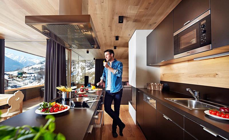Das Ferienchalet Smaragdjuwel bietet eine top ausgestattete Küche mit Miele-Geräten