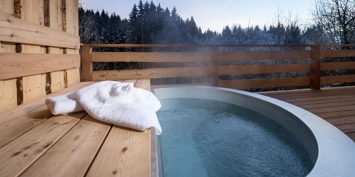 Privates Whirlpool für Ihren Romantikurlaub in den Forstgut Chalets
