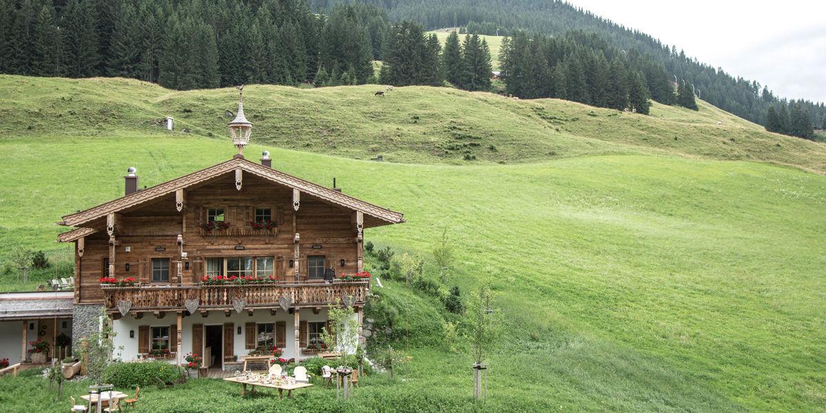 Wanderurlaub in Saalbach Hinterglemm- Das Luxuschalet Schmiedalm in absoluter Alleinlage